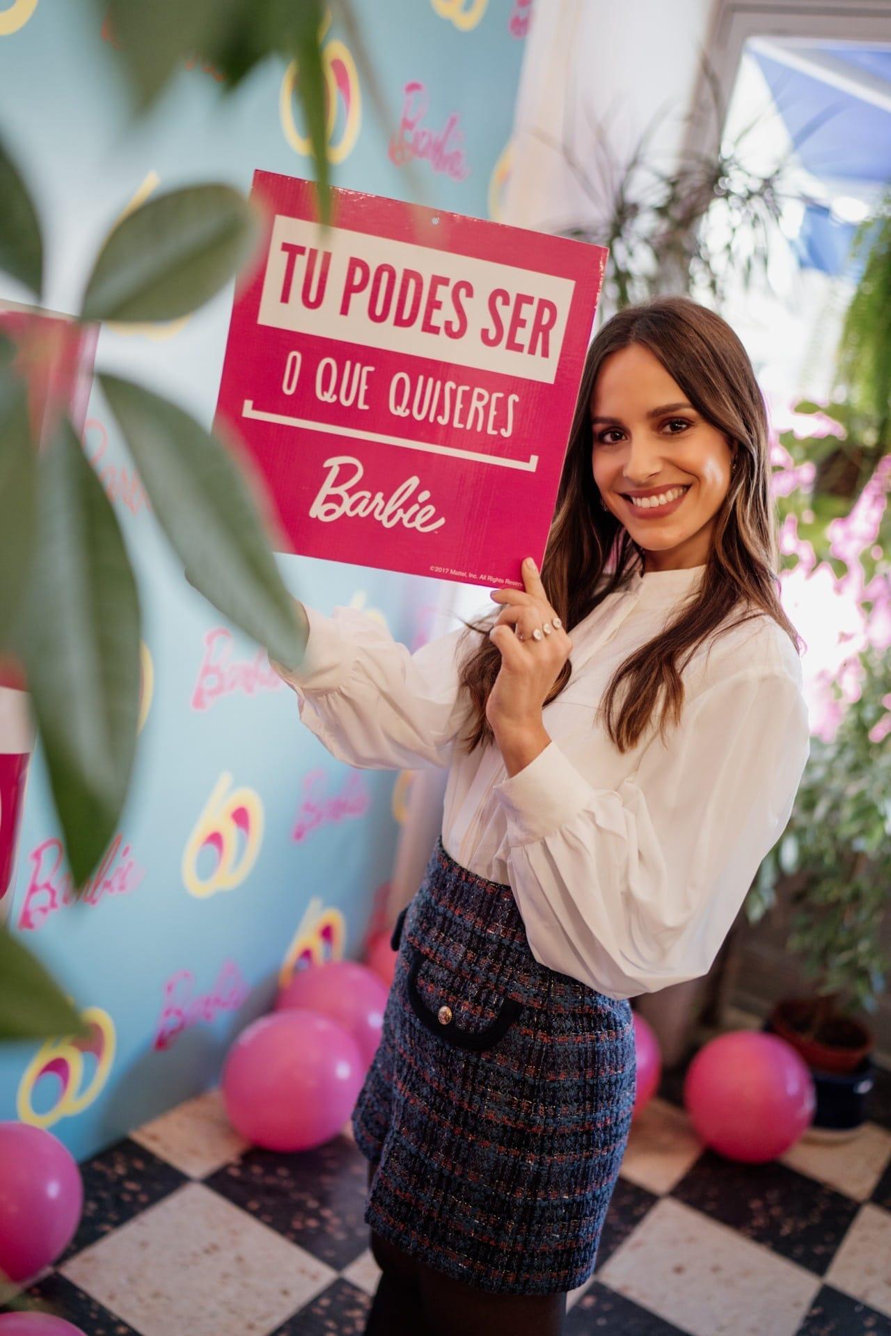 "Embaixadora ""Tu podes ser o que quiseres"" / Barbie"