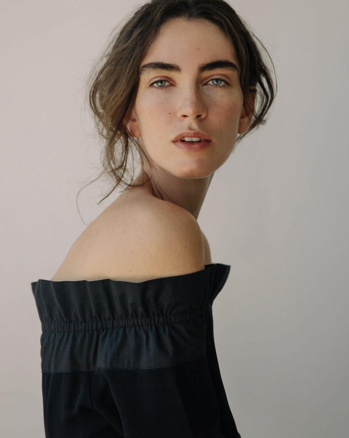 Ana Grebler 30